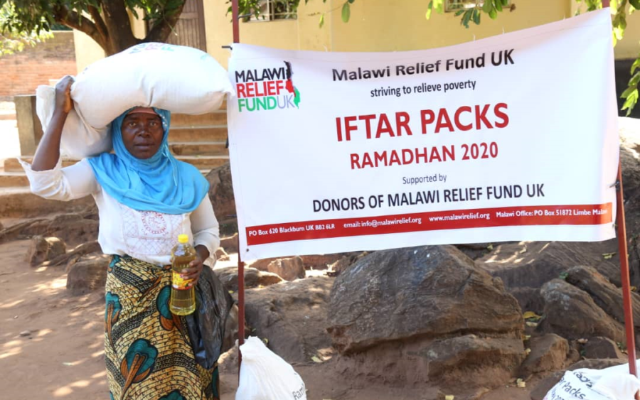 Iftari Packs Being Handed to the poor of Malawi in Ramadan 2020