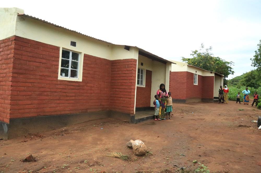 Rebuilding Houses 3 1 Rebuilding homes - Malawi Relief Fund UK
