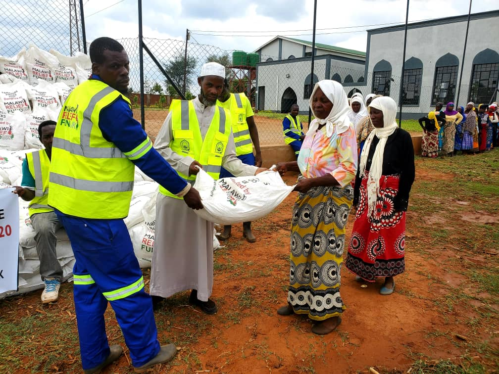 farmers pack 1 Winter Cropping - Malawi Relief Fund UK