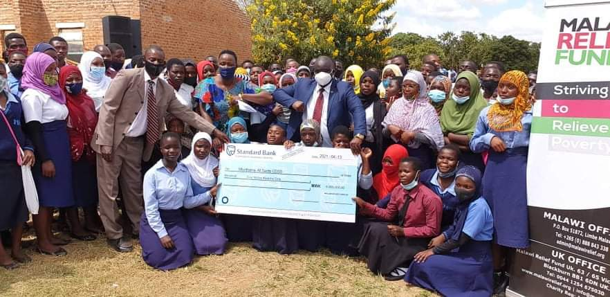 Malawi Relief Fund has donated K4 million to assist 100 school girls in Kasungu